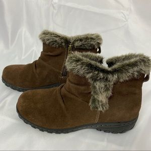 Khombu Bonnie Style Brown Ankle Boots, size 7